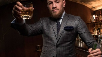 "Conor McGregor lanceert zijn ""Proper Twelve"" whiskey"